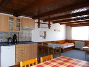 Horní apartmán - společenská místnost s kuchyňkou