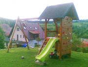 Dětské hřiště - houpačky horolezecká stěna