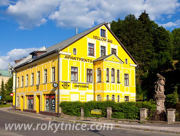 Internetcafé Yellow Ski